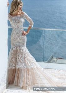 Sleeve detail is absolutely gorgeous on this Monna wedding dress by Crystal World collection Crystal Wedding Dresses, Tulle Wedding Gown, Dream Wedding Dresses, Bridal Boutique, Lace Sleeves, Absolutely Gorgeous, Color Combinations, Formal Dresses, Collection
