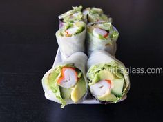Spring Rolls with Surimi Crab Sticks, Avocado and Lettuce Asian Recipes, Asian Foods, Healthy Recipes, Diabetic Recipes, Ethnic Recipes, Healthy Spring Rolls, Imitation Crab Salad, Surimi Recipes, Crab Stick