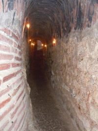 Sucidava era una antigua ciudad romana situada en Corabia, al norte del Danubio. 43°45′52″N 24°27′33″E En ella se encuentra la primera iglesia cristiana de Rumania, además de los restos de un antiguo puente romano sobre el Danubio construido por Constantino el Grande y que unía Sucidava con Oescus (en Mesia). También se encuentra una fuente subterránea que fluye bajo los muros de la ciudad y un museo donde se exponen objetos encontrados en las excavaciones y antiguas reliquias.