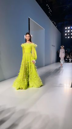 Ralph And Russo, Formal Dresses, Fashion, Dresses For Formal, Moda, Formal Gowns, Fashion Styles, Formal Dress, Gowns
