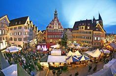 #Weihnachtsmarkt/#XMas #market in #Esslingen - Mittelalterliches Treiben unter LED-Lichtern http://www.stuttgarter-zeitung.de/inhalt.weihnachtsmarkt-in-esslingen-mittelalterliches-treiben-unter-led-lichtern.b37399ca-2f04-422a-ae36-6c9bca4e555f.html