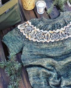 silver forest sweater by Jennifer Steingass, tested by @geraknits | malabrigo