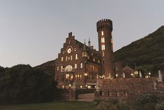 The Lichtenstein Castle in Hout Bay – the wedding venue of your dreams Budget Wedding, Wedding Venues, Lichtenstein Castle, Green Lawn, Wedding Looks, Seattle Skyline, Monument Valley, Dreaming Of You, Statue