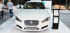 """Przez cały sierpień na Okęciu możecie oglądać model Jaguara XF. Samochód jest ustawiony na stoisku, które my przygotowaliśmy.   Składa się ono z podestu ekspozycyjnego, urny i standu na ulotki oraz ścianki z TV. Do podświetlenia użyliśmy pasków LED. Więcej zdjęć w naszej galerii """"Stoisko Jaguara"""" Led, Vehicles, Model, Sports, Hs Sports, Rolling Stock, Scale Model, Sport"""