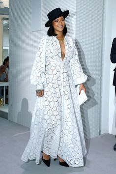 Rihanna Stuns at the LVMH Prize Ceremony in Christian Dior African Maxi Dresses, African Attire, African Wear, Women's Fashion Dresses, Dress Outfits, Fashion Clothes, Fall Outfits, Summer Outfits, Resort Dresses