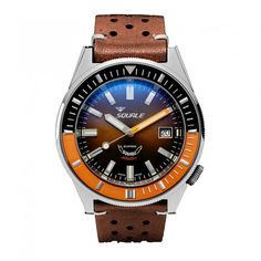 The brand new Squalematic 60 ATM Professional with polished case.The Squalematic 60 ATM is executed in the more contemporary 44mm diameter size while respecting the great Squale designs of the past in a perfectand authentic way. The watch feature