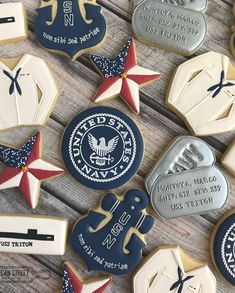 Calm seas never made a good sailor. 🌊 - Franklin D. Roosevelt ⚓️ ⚓️ ⚓️ It was a privilege to create these for a recent Navy Boot Camp Grad. No Bake Sugar Cookies, Star Cookies, Iced Cookies, Cute Cookies, Cupcake Cookies, Cookies Et Biscuits, Anchor Cookies, Cupcakes, Military Cake