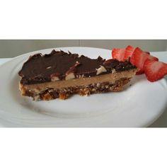 Raw snickerscake