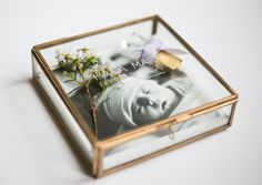 Glass box with personalized etching