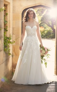 Bridal Gown Available at Ella Park Bridal | Newburgh, IN | 812.853.1800 | Essense of Australia - Style D2000