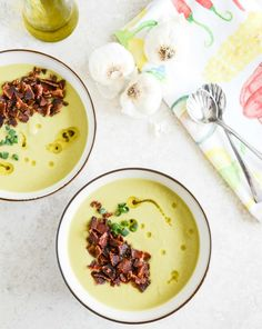 caramelized leek soup with maple glazed bacon I howsweeteats.com