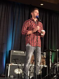 jensen ackles looking good and feeling fine #sfcon