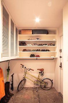 玄関は自転車を置けるほど広い