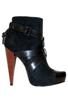 Report Signature Caleb Bootie In Black