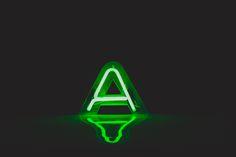 Escultura em neon - por Daniel Bernardinelli www.dan.art.br