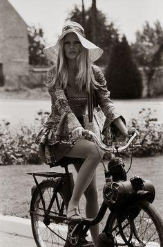 Clasp Garage: Rockstars' Garage: Brigitte Bardot's Solex 2200