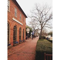 Colonial Williamsburg's Merchants Square by miwwww via Instagram.