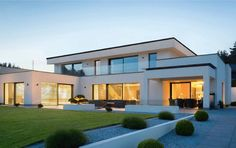 Bungalow House Design, Modern House Design, Modern Architecture House, Beautiful Architecture, Modern Properties, Rest House, Fancy Houses, Dream House Exterior, Stone Houses