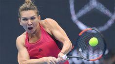 Halep arrebata el número 1 a Muguruza al clasificarse para la final de Pekín http://www.sport.es/es/noticias/tenis/halep-arrebata-numero-muguruza-clasificarse-para-final-pekin-6338088?utm_source=rss-noticias&utm_medium=feed&utm_campaign=tenis
