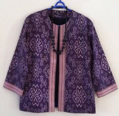 Blazer Tenun in purple Batik Blazer, Blouse Batik, Batik Dress, Mode Batik, Batik Kebaya, Kimono Design, Batik Fashion, Traditional Outfits, Blouse Designs