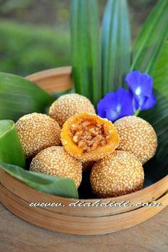 Diah Didi's Kitchen: Onde2 Labu Kuning Isi Enting2