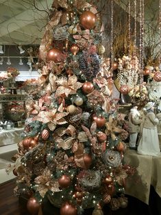 Love this peachy pink Christmas Tree.