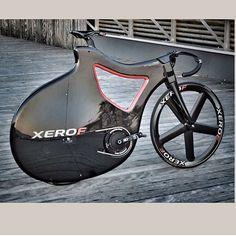 What do you think ? Ready to fly? @ksiambike #lovesroadbikes #rotor3d #xerof #backtofuture