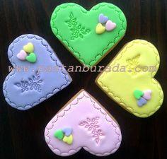 renkli kalp kurabiye colorfull heart cookies