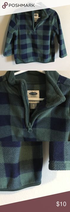 EUC Boys Fleece Half-zip Pullover EUC Old Navy Boys Fleece Pullover.  Navy blue and forest green plaid.  Very warm and soft.  Worn and washed once; no holes, stains or defects. Old Navy Shirts & Tops