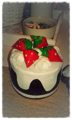 handmade Cake, Desserts, Handmade, Food, Pie Cake, Hand Made, Meal, Cakes, Deserts