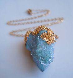 Kék kvarc medál