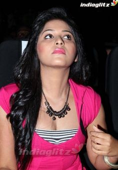 Lining cleavage show with dark lips - Anjali - South Actress, South Indian Actress, Beautiful Indian Actress, Beautiful Actresses, Desi Masala, Navel Hot, Sexy Toes, Latest Images, India Beauty