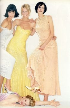 1995 - Shalom Harlow, Claudia Schiffer, Stella Tennant and Kirsten McMennamy in Gianni Versace