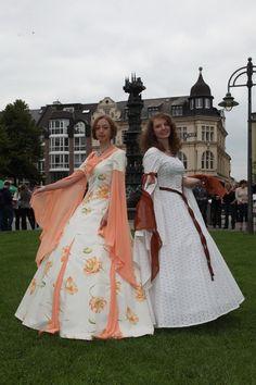 Eleganz und Chic  www.michele-thierbach-collection.com auch bei Facebook und Twitter