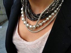 Layered necklaces with pearls