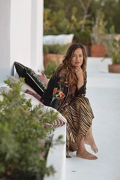 On the party island of Ibiza, Jade Jagger and her family have made a peaceful haven for themselves in their newly revamped finca. White Haven, Jade Jagger, Top Les, Ibiza, Bohemian, Lifestyle, Womens Fashion, Rock Stars, Families