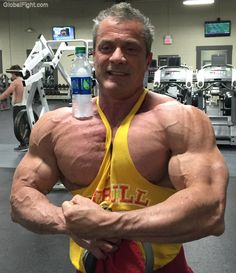 huge swole muscle bodybuilder