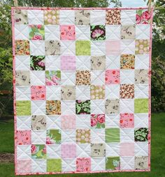 Remember this stack I was frantically cutting before vacation (instead of packing) ? Now its this crisp baby quilt with the cutest little Paris print in it. The linen fabric is so…