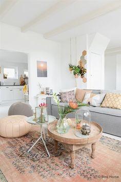 Cool Souraya Hassan est décoratrice d'intérieur et photographe… The post Souraya Hassan est décoratrice d'intérieur et photographe…… appeared first on Home Decor Designs Trends . #livingroom #livingroomdecor