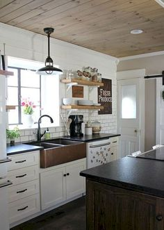 Cool 70 Rustic Kitchen Sink Farmhouse Style Ideas https://decorapatio.com/2018/01/08/70-rustic-kitchen-sink-farmhouse-style-ideas/