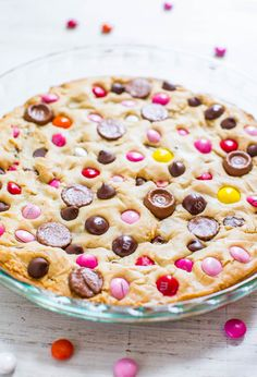 Loaded Soft and Chewy M&M Cookie Pie - If you like M&M cookies, you'll love this biggie version! Super easy and always a big hit!! Great Valentine's Day treat!