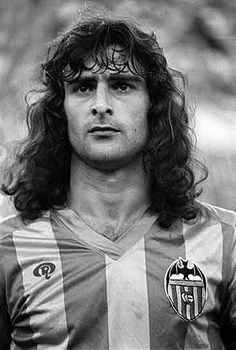 Mario Kempes , Valencia CF Good Soccer Players, Best Football Players, National Football Teams, World Football, Legends Football, Football Icon, Football Design, Kids Soccer, Soccer Stars