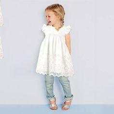 Купить товар 2015 мода девочка кружева младенческой платье принцессы летний стиль белый с коротким рукавом платье девушки одежду оптовая продажа QT036 в категории Платья на AliExpress. 2016 Europe&America Kids Girls Clothes Floral Dress Long Sleeve O-Neck Flower Print Children Girls Dress Vestidos Infa
