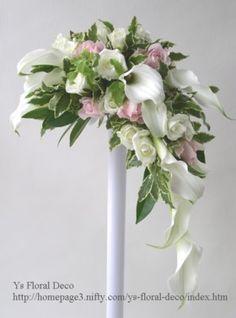 373  ピンクを挿し色にしたクレッセントブーケ  ys floral deco @ニュー山王ホテル