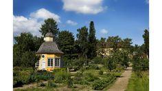 Rosenlundin pappila ja Aspegrenin puutarha, Pietarsaari Finland