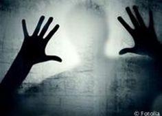 صورة أرشيفية                           أكدت دراسات أجراها البروفيسور الفرنسى «ميشل لوجوايو»، المتخصص في الأمراض النفسية في جامعة باريس، أن هناك 3 تدريبات يومية لو اتبعها مريض الاكتئاب سوف يشعر بتحسن وتغير حالته النفسية والمزاجية.  وتبدأ هذه...