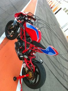 RAD02 of Madrid build the coolest Ducatis in the world. Period!