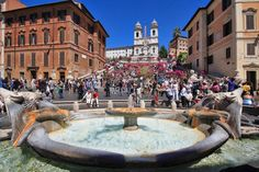 Piazza di Spagna in #Rome. You might continue toward the Trevi Fountain and after the customary photographs and tossed coins, believe that there is nothing left to see. What a mistake! #HalldisDiscover