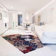 White is always a good option .  #arq #showroom #pepecabrera #vitra #missoni #pepecabrerastudio #denia #design #interiordesign #architecture #arquitectura #decor #designer #homedecor #style #home #decoracion #vsco #interiorismo #vscocam #archilovers #furniture