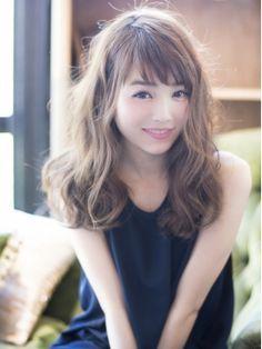 Dearland ベビーバングセミロングbyDAIGO - 24時間いつでもWEB予約OK!ヘアスタイル10万点以上掲載!お気に入りの髪型、人気のヘアスタイルを探すならKirei Style[キレイスタイル]で。 Latest Hairstyles, Girl Hairstyles, Medium Hair Styles, Short Hair Styles, Digital Perm, Hair Arrange, Salon Style, Asian Hair, Wavy Hair